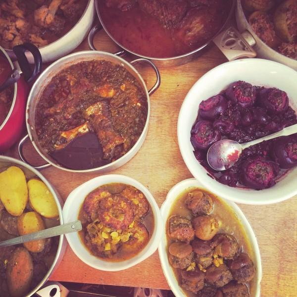 Dzienne menu u Julii: buraczki z miętą i limonką, gulasz z ananasami, zapiekane ziemniaki