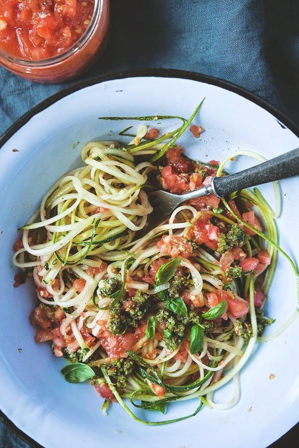 Witariańskie Spaghetti Z Cukinii Jadłonomia Wegańskie
