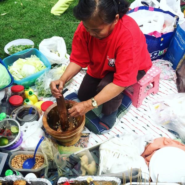 Produkcja sałatki z papai